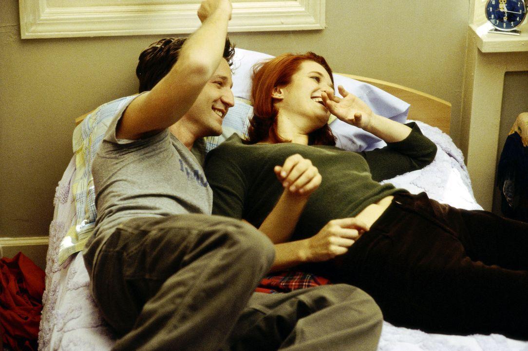 Das Liebesglück von Josh Porter (Breckin Meyer, l.) und Tiffany Henderson (Rachel Blanchard, r.) ist unendlich - das glauben sie zumindest ... - Bildquelle: TM &   DREAMWORKS L.L.C.