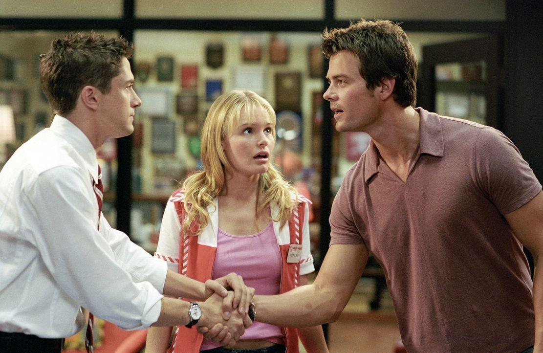 Rosalee (Kate Bosworth, M.) gewinnt ein Date mit Superstar Tad Hamilton (Josh Duhamel, r.). Für sie ist das Größte überhaupt, für ihn hingegen... - Bildquelle: 2004 DreamWorks LLC. All Rights Reserved.