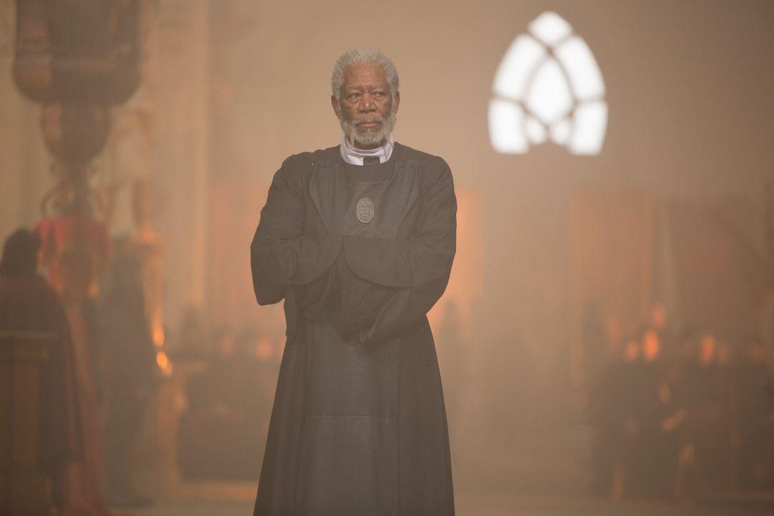 Als Fürst Bartok (Morgan Freeman) an den kaiserlichen Hof zu dem Minister Gezza Mott gerufen wird, ahnt er nicht, dass er bitterlich für seine ehrba... - Bildquelle: Wild Bunch