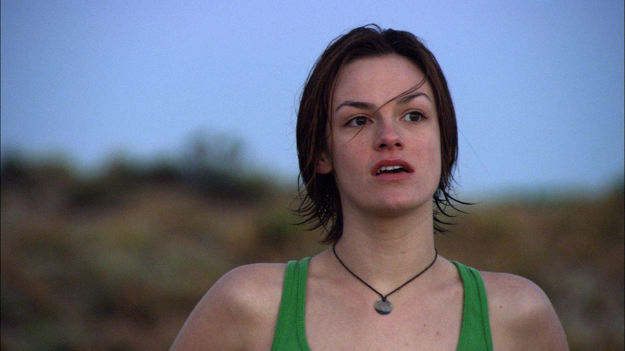 Als Rucksacktouristin in Australien unterwegs: Doch dann gerät die junge Britin Liz (Cassandra Magrath) an einen hemmungslosen Psychopathen ... - Bildquelle: Kinowelt