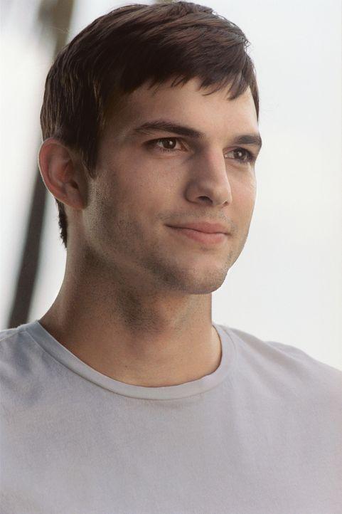 Während eines Fluges nach New York wird der wohlerzogene Student Oliver (Ashton Kutcher) auf dem Kabinenklo von der hübschen Emily vernascht. Nach... - Bildquelle: Touchstone Pictures. All rights reserved