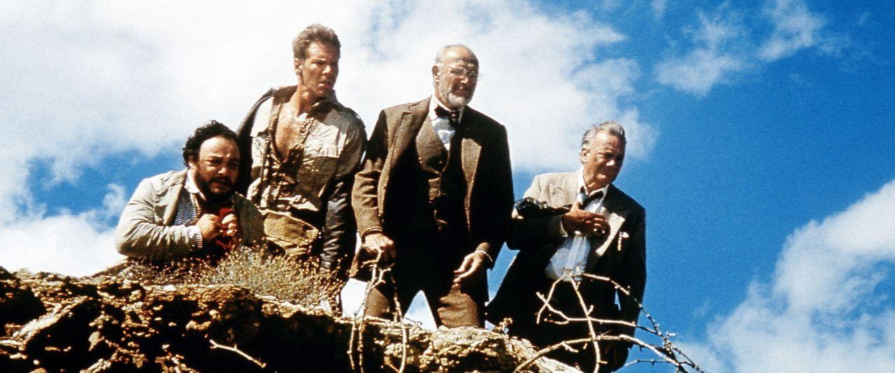 Betroffen und schwermütig betrauern Sallah (John Rhys-Davies, l.), Vater Henry Jones (Sean Connery, 2.v.r.) und Museumsdirektor Marcus Brody (Denho... - Bildquelle: Paramount Pictures