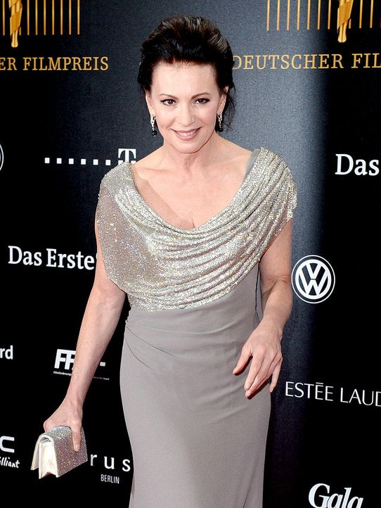deutscher-filmpreis-12-04-27-iris-berben-27-dpajpg 900 x 1200 - Bildquelle: dpa