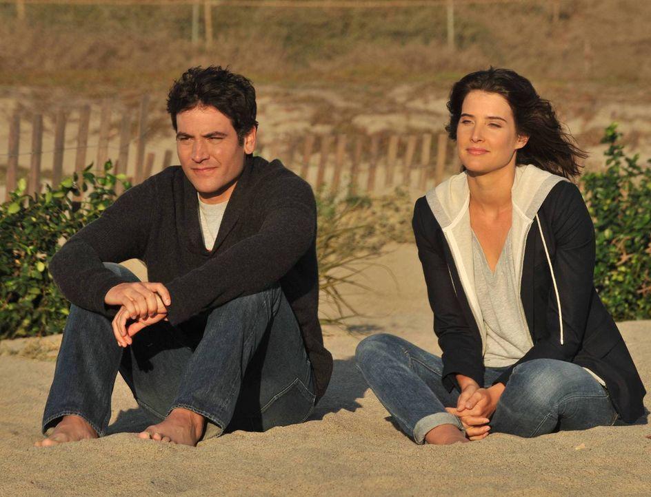 Ist Ted (Josh Radnor, l.) noch immer nicht über Robin (Cobie Smulders, r.) hinweg? - Bildquelle: 2014 Twentieth Century Fox Film Corporation. All rights reserved.