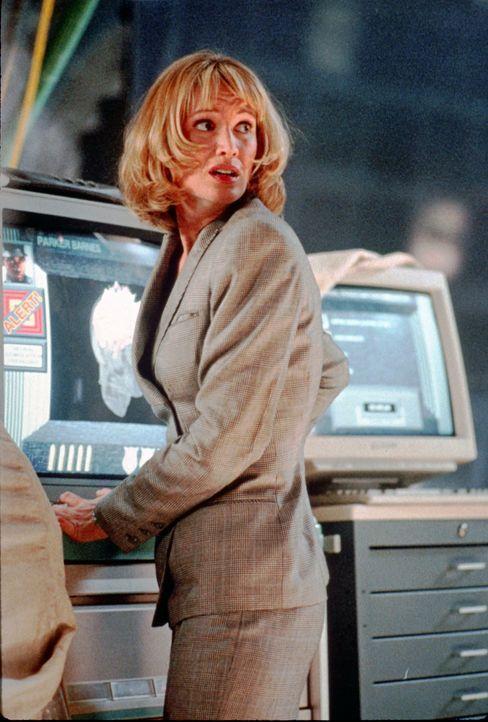 Die Polizeipsychologin Madison Carter (Kelly Lynch) soll helfen, einem virtuell erzeugten Serienkiller das Handwerk zu legen ... - Bildquelle: Paramount Pictures