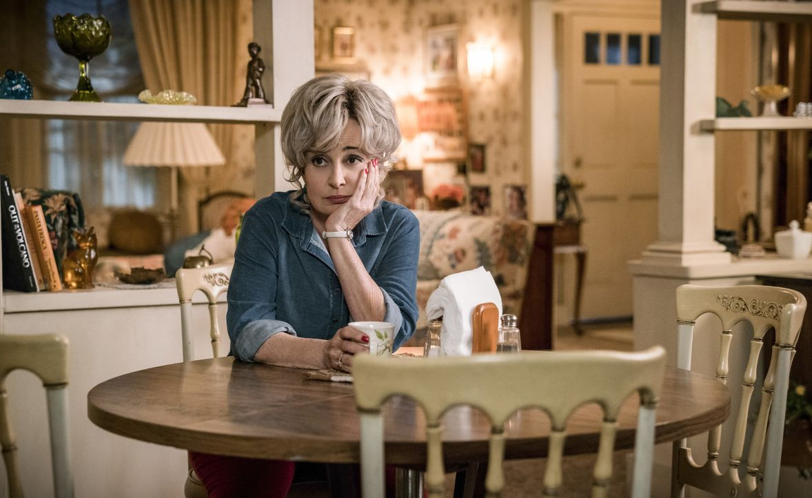 Meemaw (Annie Potts) - Bildquelle: Michael Desmond 2019 WBEI. All rights reserved. / Michael Desmond