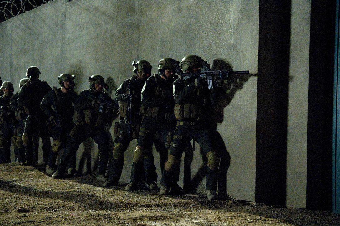Der lebensgefährliche und hoch wichtige Einsatz zur Festsetzung Osama bin Ladens beginnt mitten in der Nacht ... - Bildquelle: 2012, Falcom Media