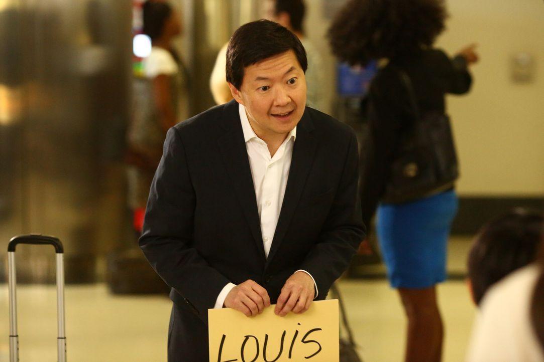 Louis' Bruder Gene (Ken Jeong) kommt aus Taiwan, um die Huangs zu seiner bevorstehenden Hochzeit einzuladen. Doch dann entbrennt ein heftiger Streit... - Bildquelle: 2015-2016 American Broadcasting Companies. All rights reserved.
