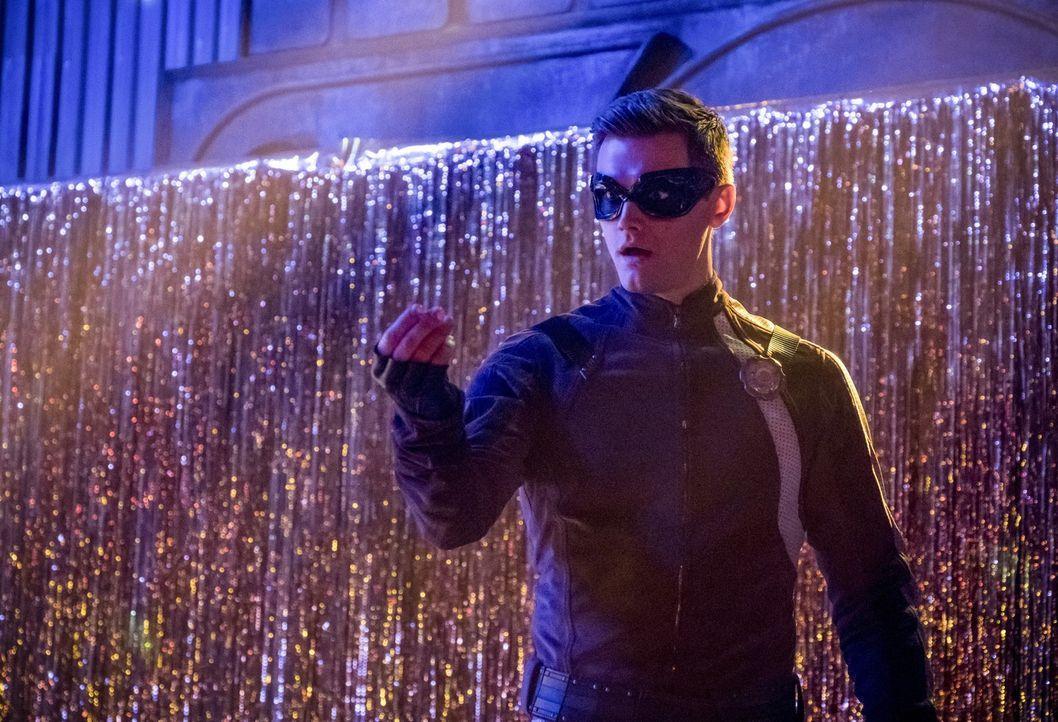 Als Barry sich nicht mehr um die Kriminellen in Central City kümmern kann, muss Ralph (Hartley Sawyer) in Flashs große Fußstapfen treten, um unschul... - Bildquelle: 2017 Warner Bros.