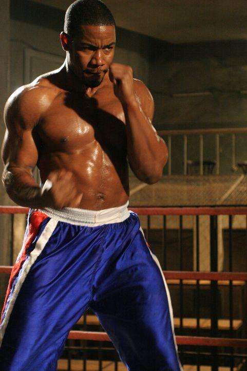 Unschuldig im härtesten Knast Sibiriens gelandet, bereitet sich Boxer George Chambers (Michael Jai White) auf einen Kampf vor, den er gar nicht kä... - Bildquelle: Nu Image Films