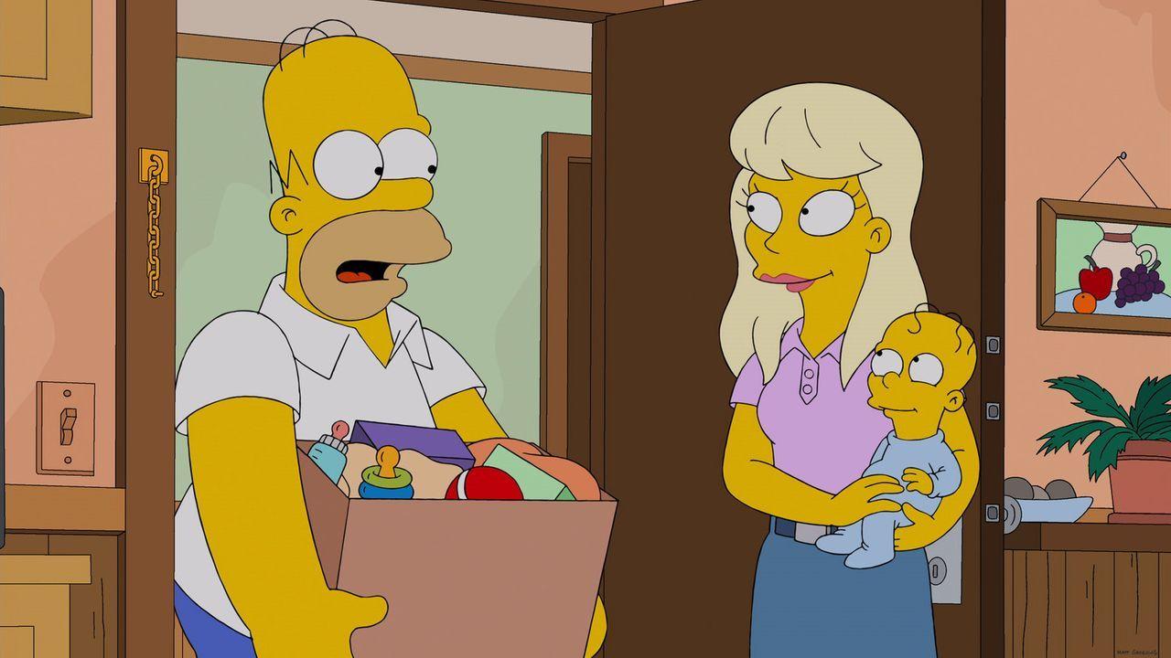 Homer (l.) bleibt mit einer hochschwangeren Frau (M.) im Aufzug stecken. Mit seiner Hilfe bekommt sie dort ihr Kind - und nennt es aus Dankbarkeit H... - Bildquelle: 2013 Twentieth Century Fox Film Corporation. All rights reserved.