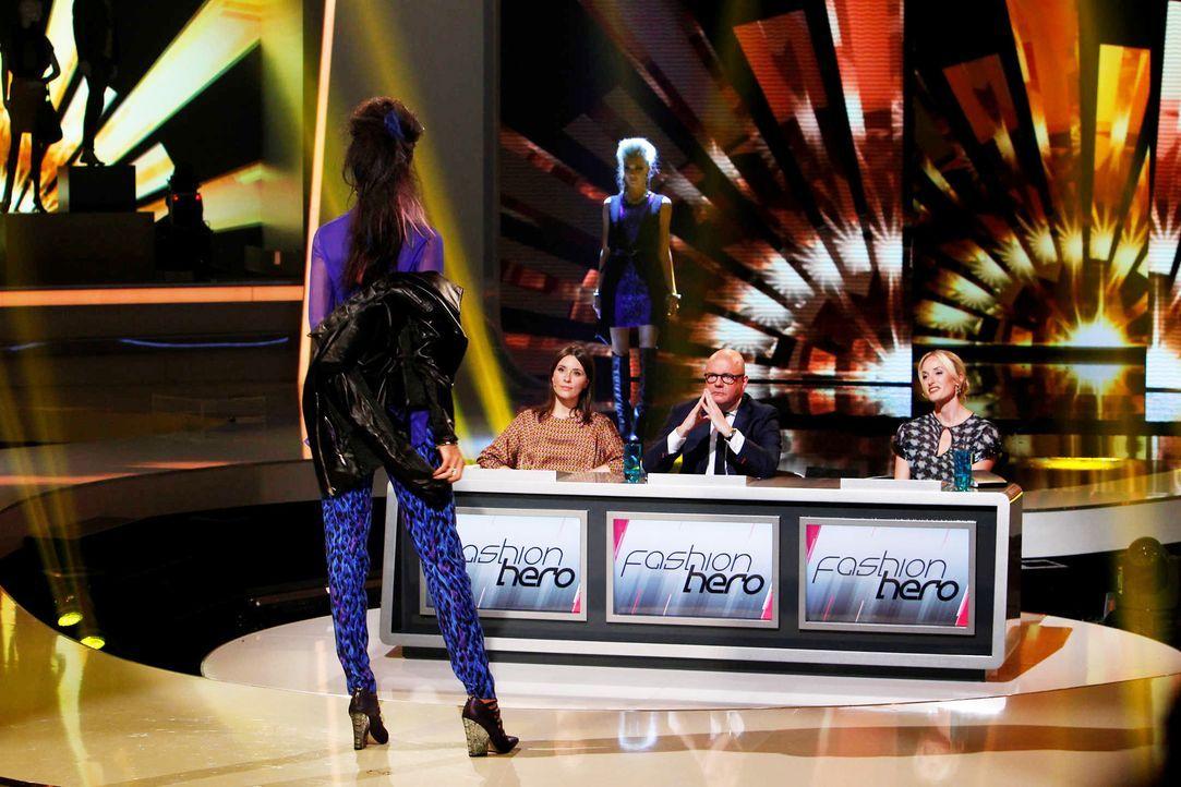 Fashion-Hero-Epi07-Gewinneroutfits-Rayan-Odyll-s-Oliver-03-Richard-Huebner - Bildquelle: Richard Huebner