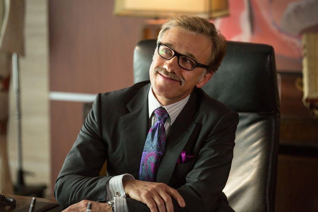 Geschickt treibt Investor Burt Hanson (Christoph Waltz) Jungunternehmer in die Insolvenz, um dann deren Patente billig erwerben zu können. Doch eine... - Bildquelle: 2014   Warner Bros.