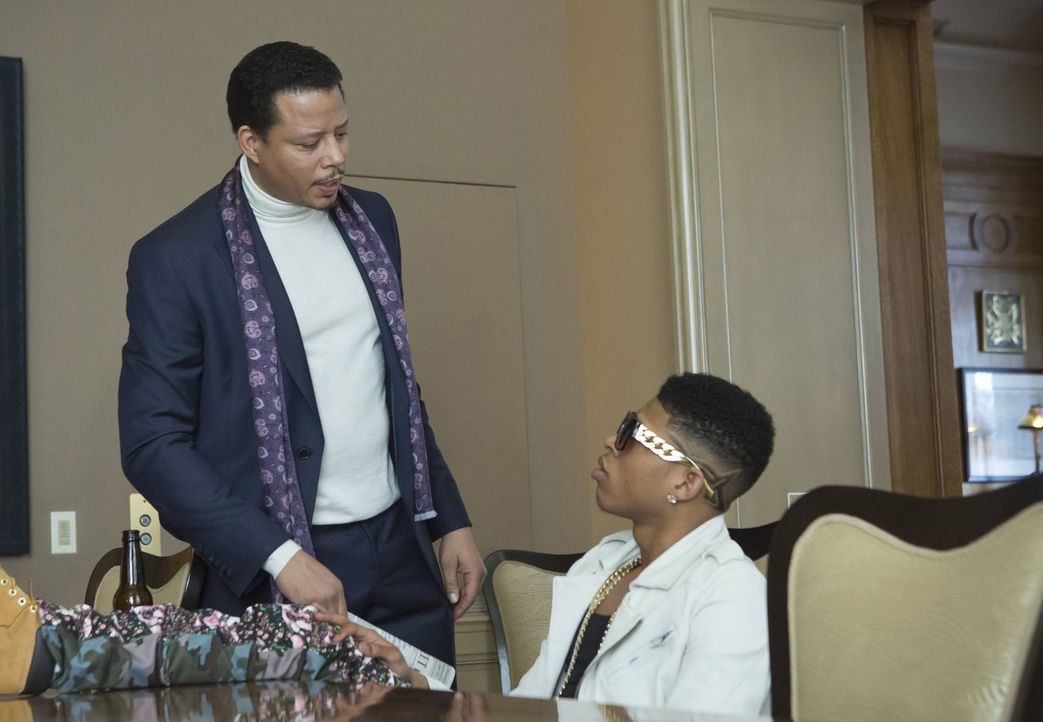 Er soll der nächste große Hit von Empire Records werden: Hakeem (Bryshere Y. Gray, r.) wird von seinem Vater Lucious (Terrence Howard, l.) gecoacht... - Bildquelle: 2015 Fox and its related entities.  All rights reserved.