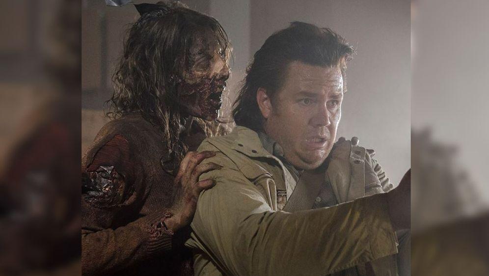 The Walking Dead Staffel 7 Neue Szene Ruhrt Josh Mcdermitt Zu