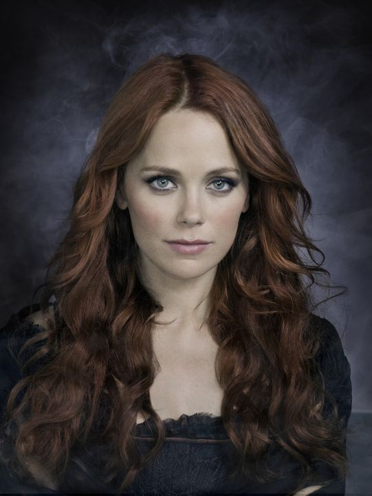 (1. Staffel) - Die geisterhafte Erscheinung seiner verstorbenen Ehefrau Katrina (Katia Winter) soll Ichabod Crane helfen, das komplexe Puzzle von Sl... - Bildquelle: 2013 Twentieth Century Fox Film Corporation. All rights reserved.
