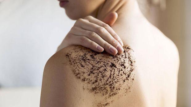 Natürliches, pflegendes & reichhaltiges Peeling für Körper und Gesicht mi...