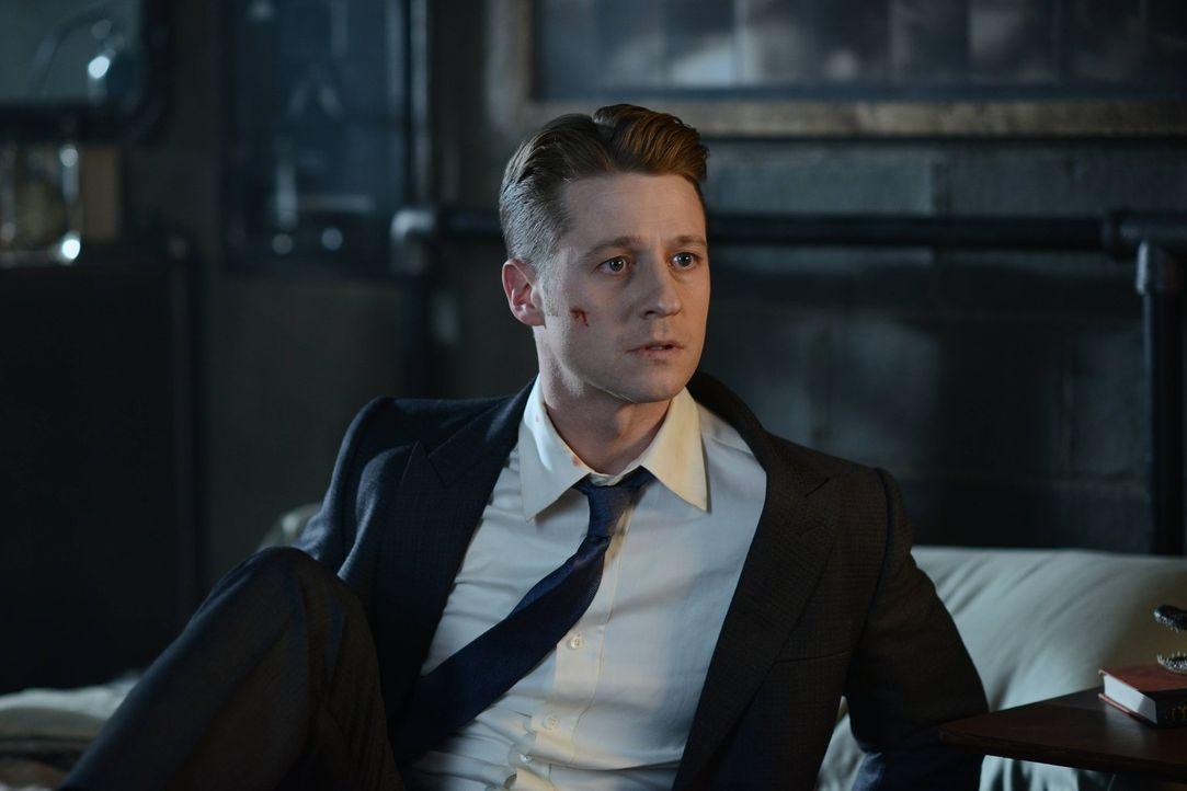 Als Bruce entführt wird, muss sich Gordon (Ben McKenzie) von ungewöhnlichen Verbündeten helfen lassen, um ihn zu retten ... - Bildquelle: Warner Brothers