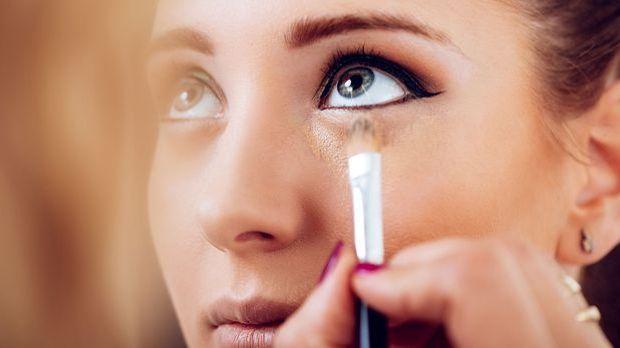 Lenke von deine Augenringen ab mit diesen Tipps & Tricks