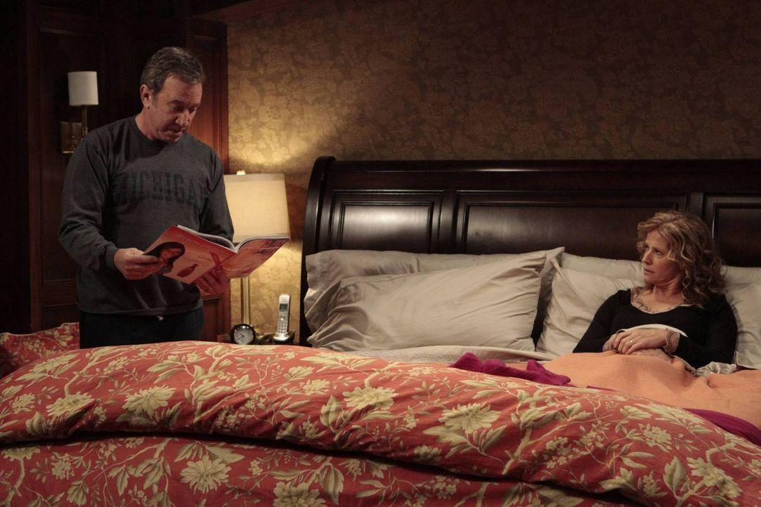 Mike (Tim Allen, l.) und Vanessa (Nancy Travis, r.) vermuten, dass Mandy viel zu spät nach Hause gekommen ist. Mit einer List wollen sie ihre Tochte... - Bildquelle: 2011 Twentieth Century Fox Film Corporation