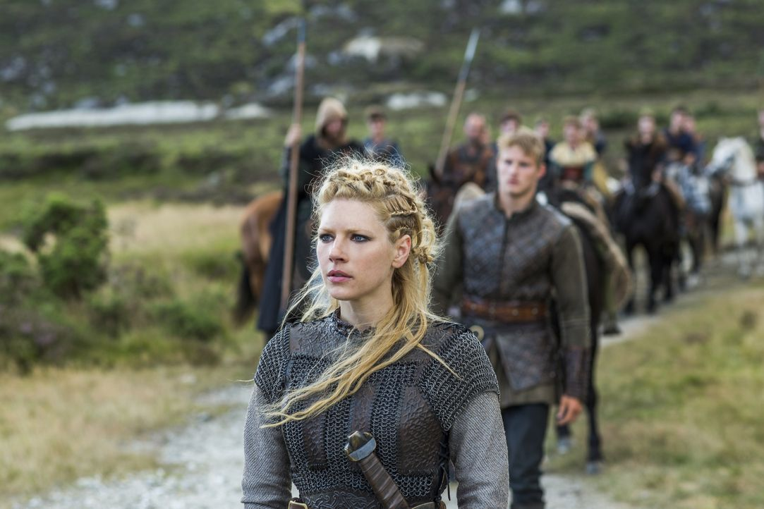 Als sie erfährt, dass Jarl Borg Kattegat übernommen hat, entschließt sie sich, Ragnar beim Kampf zu unterstützen: Lagertha (Katheryn Winnick) ... - Bildquelle: 2014 TM TELEVISION PRODUCTIONS LIMITED/T5 VIKINGS PRODUCTIONS INC. ALL RIGHTS RESERVED.