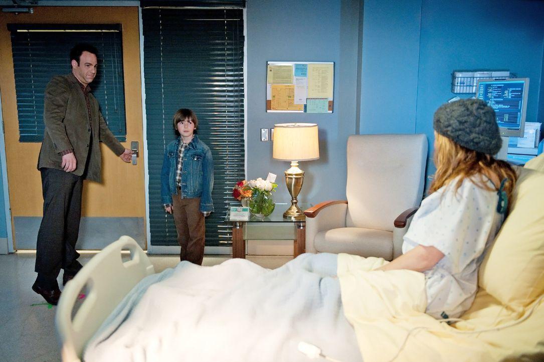 Erica (A.J. Langer, r.), Mason (Griffin Gluck, M.) und Cooper (Paul Adelstein, l.) steht eine schwere Zeit bevor ... - Bildquelle: ABC Studios