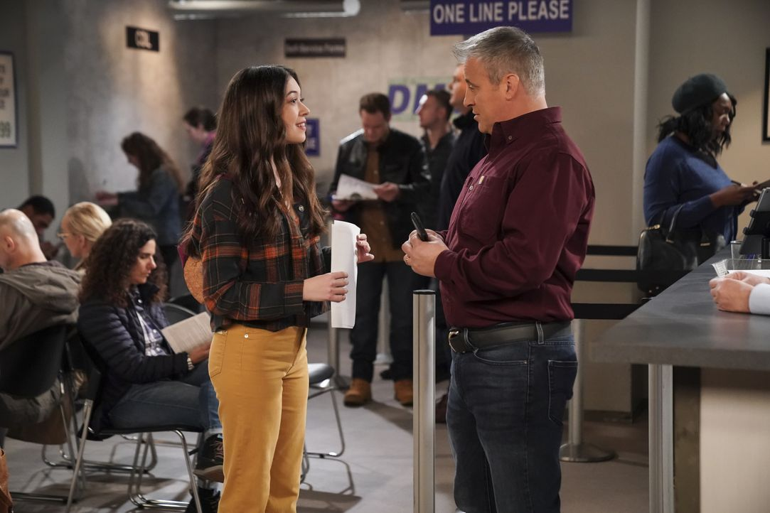 Kate Burns (Grace Kaufman, l.); Adam Burns (Matt LeBlanc, r.) - Bildquelle: 2019 CBS Broadcasting, Inc. All Rights Reserved