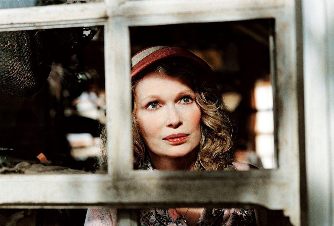 Ein fieser Grundstücksmakler träumt davon, sich das schöne Haus von Arthurs Großmutter (Mia Farrow) unter den Nagel zu reißen. Doch Arthur sieht nic... - Bildquelle: TOBIS Film