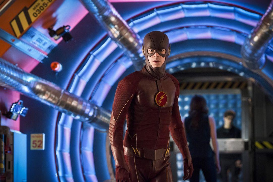 All seine Pläne und Hoffnungen in die Vergangenheit scheinen zerstört, als Barry alias The Flash (Grant Gustin) als Zeitreisender entdeckt wird ... - Bildquelle: Warner Bros. Entertainment, Inc.