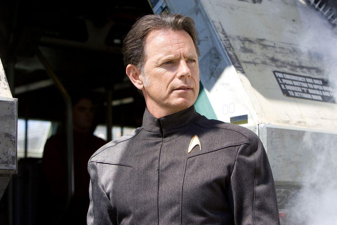 Captain Christopher Pike (Bruce Greenwood) ist ein Freund von Kirks verstorbenen Vater. Er schafft es, den draufgängerischen Kirk für die Sternenf... - Bildquelle: Paramount Pictures