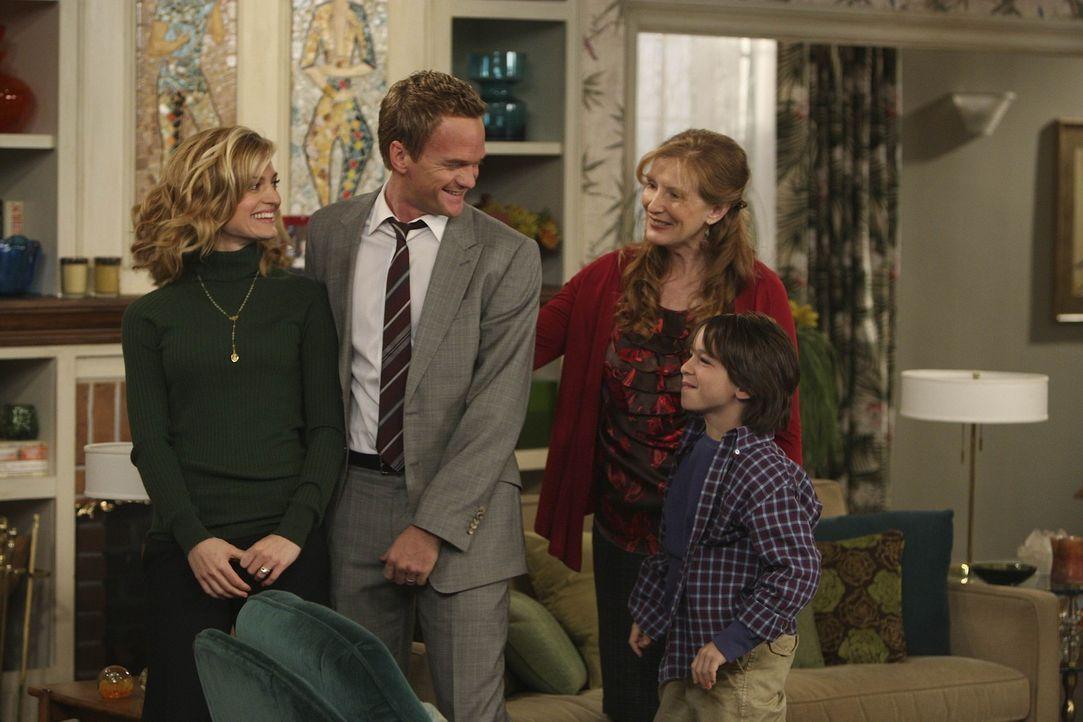 Eine glückliche Familie?: Barney (Neil Patrick Harris, 2.v.l.), Margaret (Brooke D'Orsay, l.), Grant (Zachary Gordon, r.) und Loretta (Frances Conr... - Bildquelle: 20th Century Fox International Television