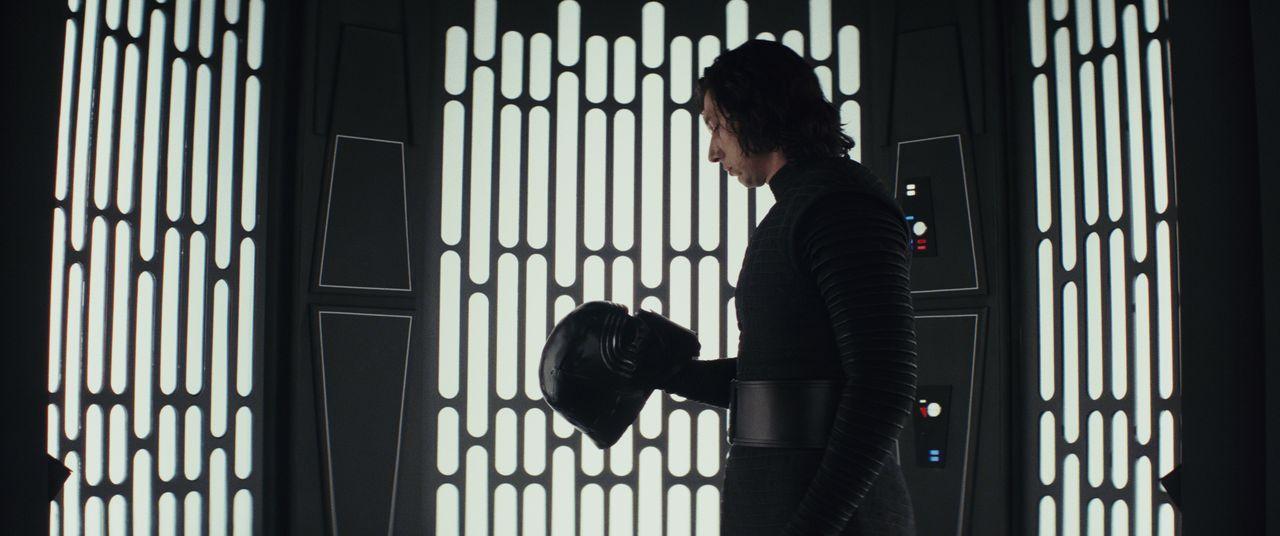 Kylo Ren (Adam Driver) - Bildquelle: 2017 & TM Lucasfilm Ltd.