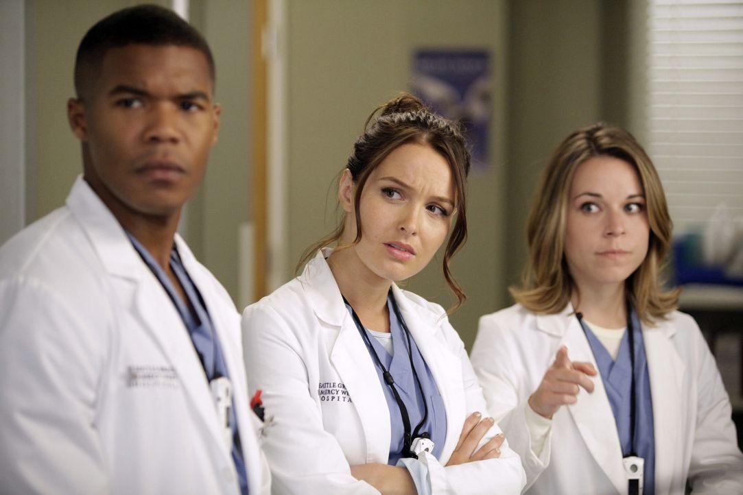 Ein Arbeitstag mit neuen Herausforderungen wartet auf Shane (Gaius Charles, l.), Jo (Camilla Luddington, M.) und Heather (Tina Majorino, r.) ... - Bildquelle: ABC Studios