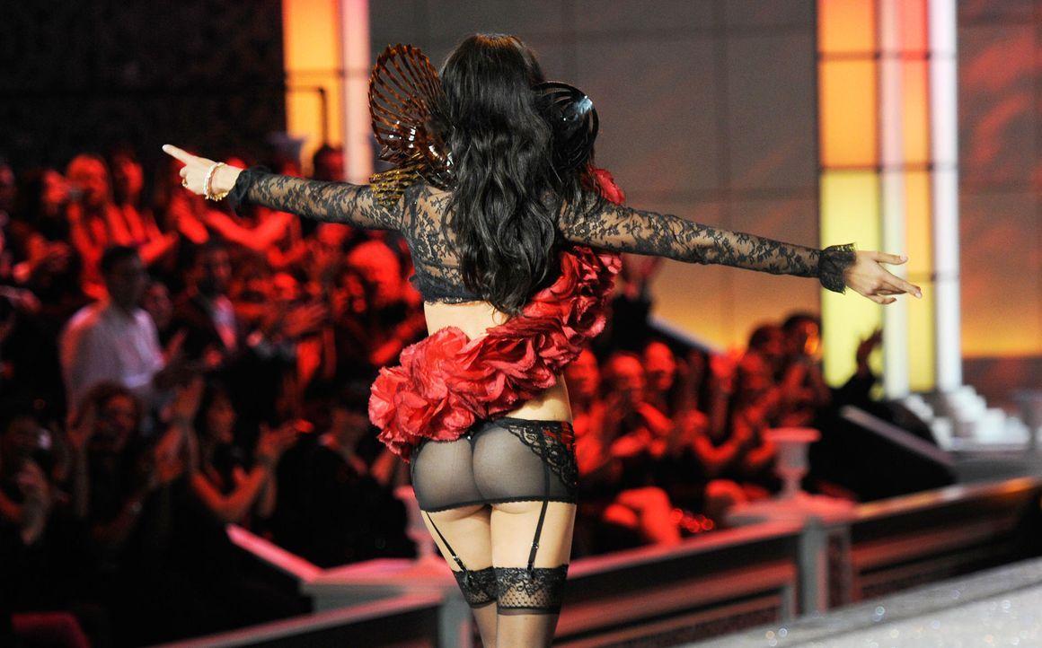 victoria-secret-fashion-show-2011-28-adriana-lima-afpjpg 1900 x 1183 - Bildquelle: AFP