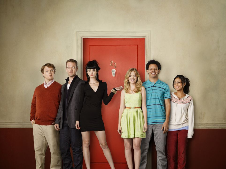 (1. Staffel) - Don't Trust the B**** in Apartment 23: (v.l.n.r.) Eli (Michael Blaiklock), James (James Van Der Beek), Chloe (Krysten Ritter), June (... - Bildquelle: 2012 American Broadcasting Companies. All rights reserved.