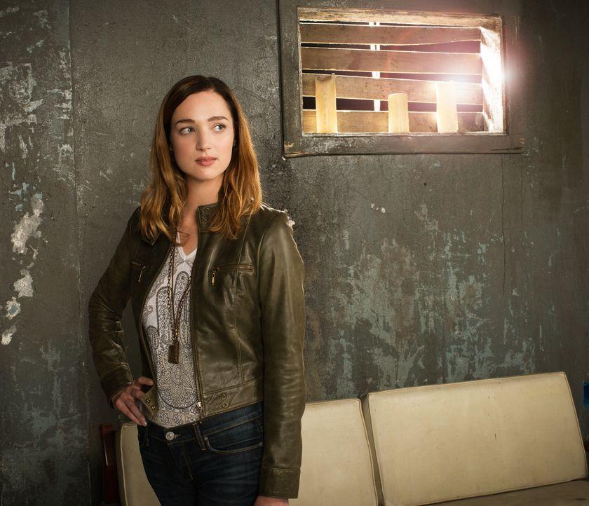 (1. Staffel) - Obwohl sie gefeuert wurde, kann Jamie (Kristen Connolly) einfach nicht aufhören, an der Story zu arbeiten: Sie will Aufklärung ... - Bildquelle: Timothy Kuratek 2015 CBS Broadcasting Inc. All Rights Reserved.