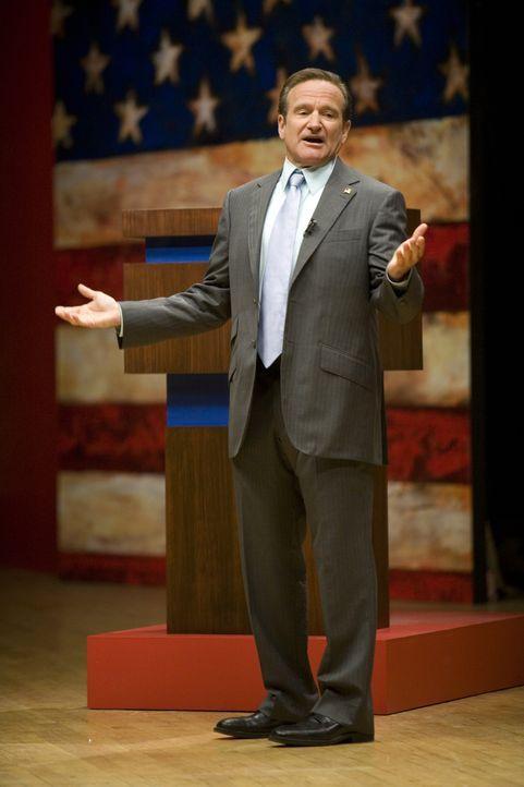 In einer wichtigen Fernsehdebatte kann der frühere Talkshow Moderator Tom Dobbs (Robin Williams) die Wähler für sich gewinnen. Nach den Umfragen lie... - Bildquelle: Morgan Creek International