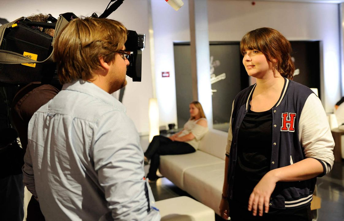 laura-buschhagen-the-voice-of-germany-stf02-epi04-30-backstagejpg 2000 x 1287 - Bildquelle: SAT.1/ProSieben/Christoph Assmann