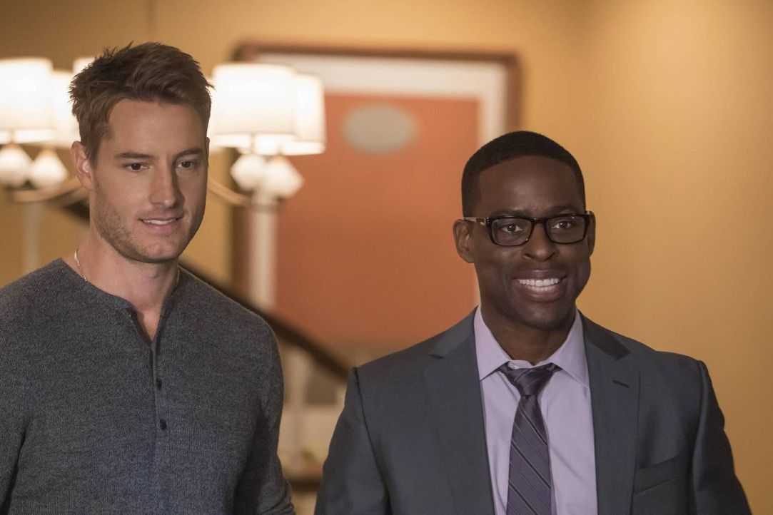 Während sich Kevins (Justin Hartley, l.) Beziehung mit Olivia in eine neue Richtung bewegt, stellt Randall (Sterling K. Brown, r.) seine Berufswahl... - Bildquelle: Ron Batzdorff 2016-2017 Twentieth Century Fox Film Corporation.  All rights reserved.   2017 NBCUniversal Media, LLC.  All rights reserved.