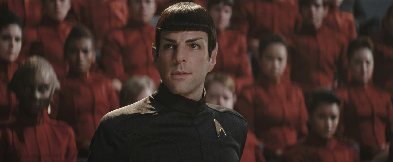 Wird als erster seines Volkes in die Sternenflotte aufgenommen: Doch noch immer hat der hochbegabte Vulkanier Spock (Zachary Quinto) seine Temperame... - Bildquelle: Paramount Pictures