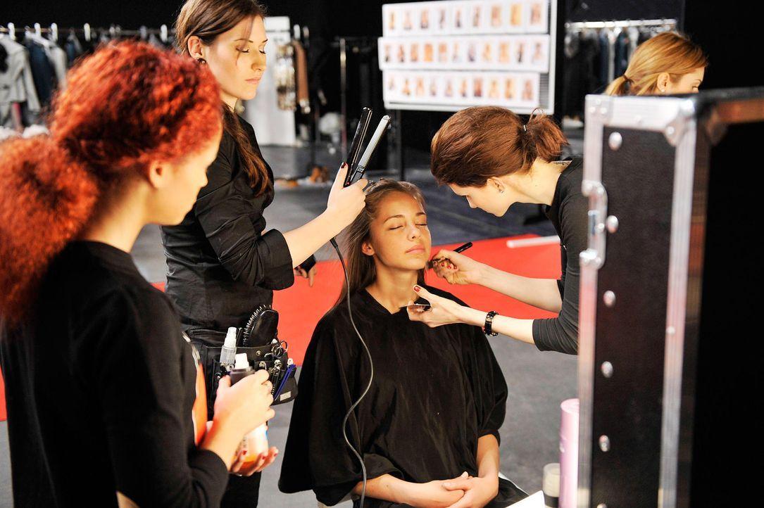 germanys-next-topmodel-stf07-epi01-modenschau-backstage-10-oliver-s-prosiebenjpg 1990 x 1324 - Bildquelle: Oliver S. - ProSieben
