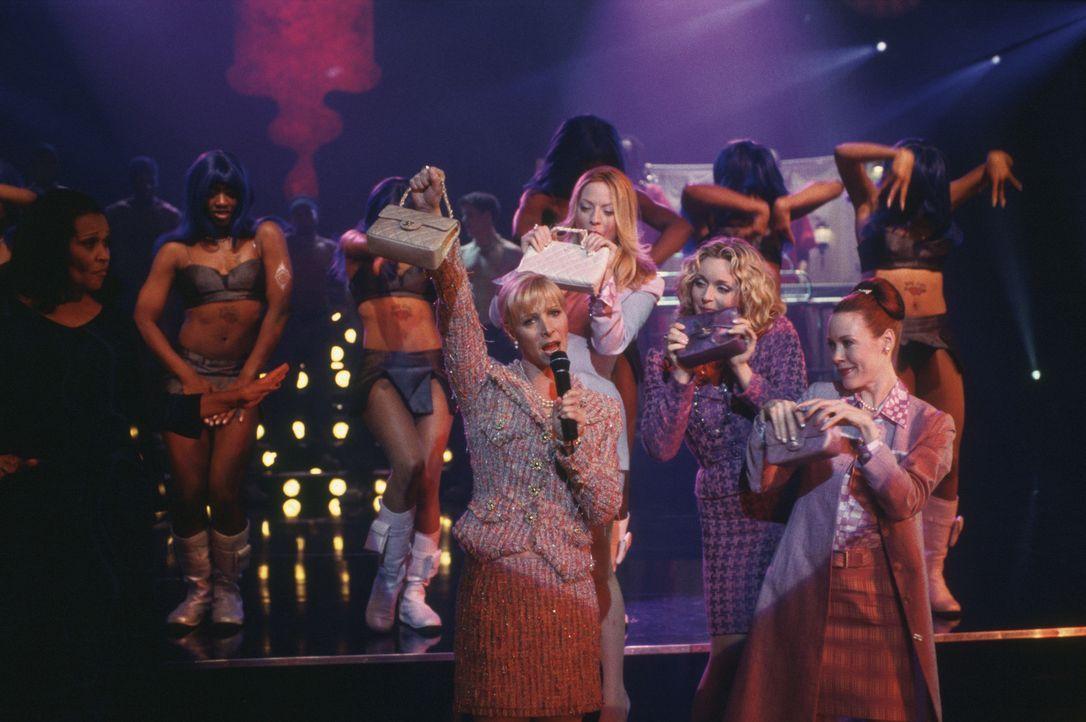 Mit ihren verwöhnten Freundinnen (Sherie Rene Scott, 2.v.l., Jane Krakowski, 2.v.r. und Veanne Cox, r.) im Schlepptau, versucht Marci (Lisa Kudrow,... - Bildquelle: Paramount Pictures