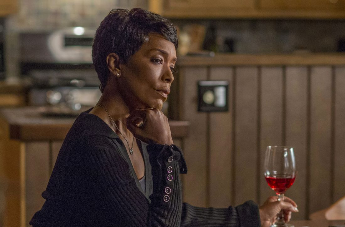 Athena Grant (Angela Bassett) - Bildquelle: 2018-2019 Twentieth Century Fox Film Corporation. All rights reserved.