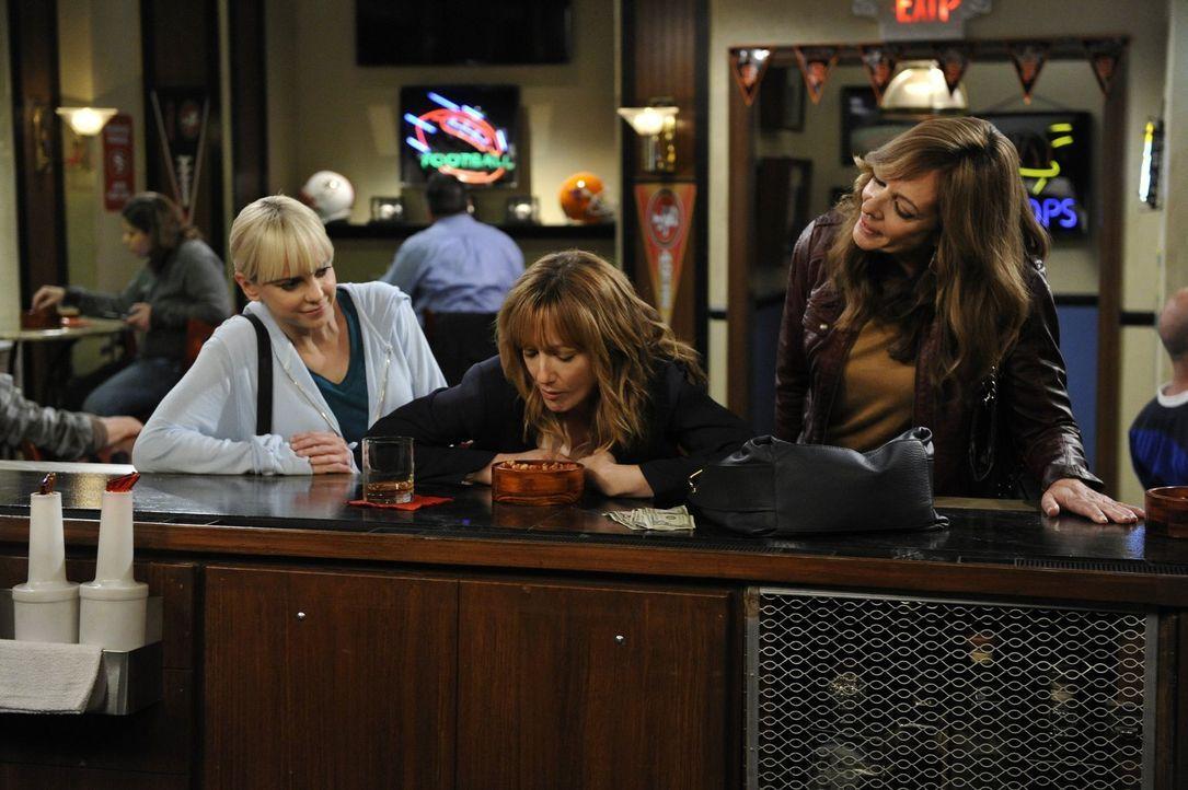 Nachdem es mit Jodi so gut geklappt hat, wollen sich Bonnie (Allison Janney, r.) und Christy (Anna Faris, l.) einem neuen Fall annehmen: Michelle (J... - Bildquelle: 2015 Warner Bros. Entertainment, Inc.