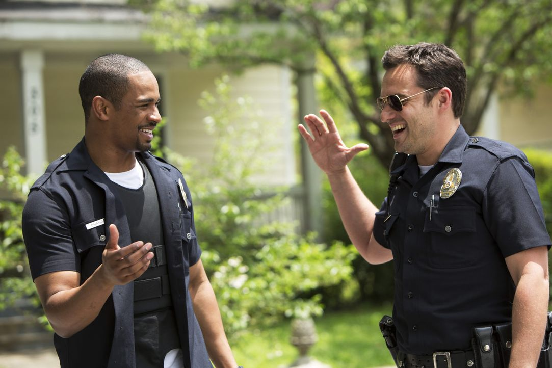 Lets-be-Cops-02-2014Twentieth-Century-Fox
