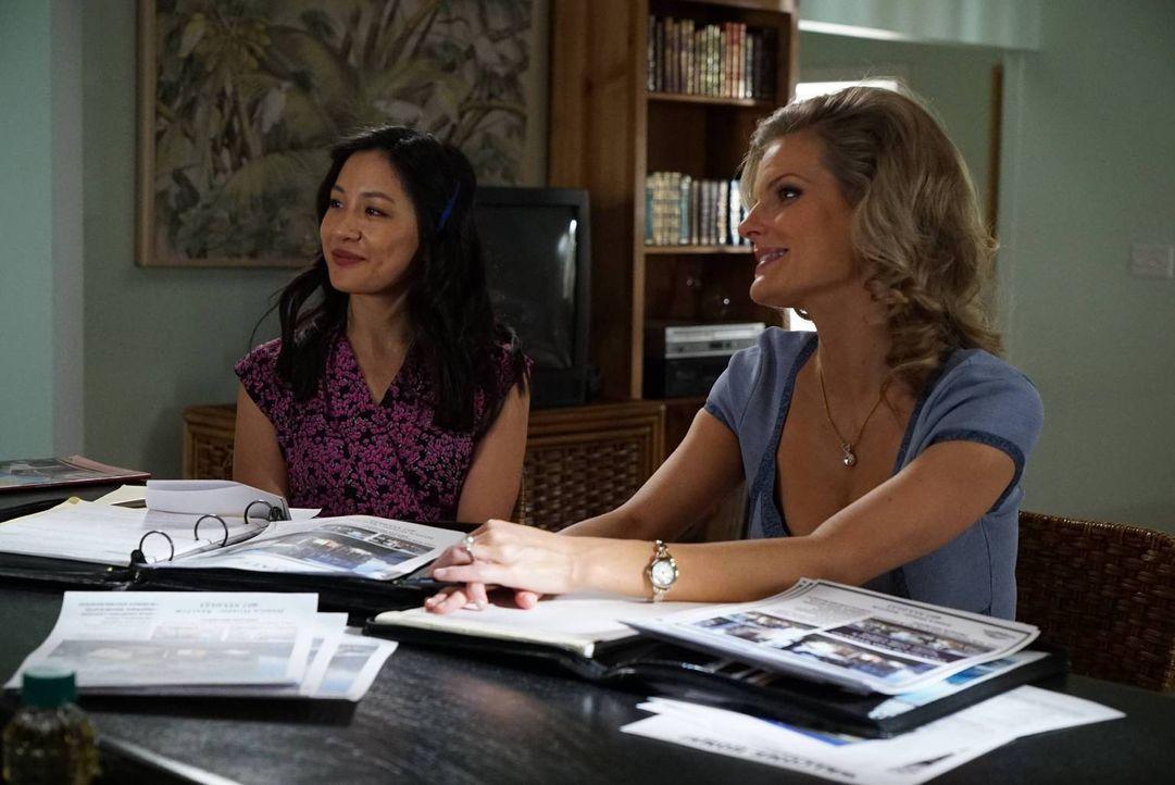 Jessica (Constance Wu, l.) ist glücklich, eine Freundin wie Honey (Chelsey Crisp, r.) zu haben, die sie unterstützt. Über ihren Mann Louis kann sie... - Bildquelle: 2015-2016 American Broadcasting Companies. All rights reserved.