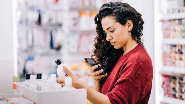 Mikroplastik mit Smartphone Apps und Checklisten erkennen