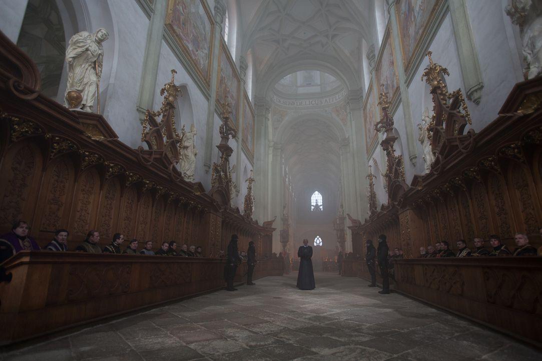 Geht den Weg seines Gewissens bis in den Tod: Fürst Bartok (Morgan Freeman, M.) ... - Bildquelle: Wild Bunch