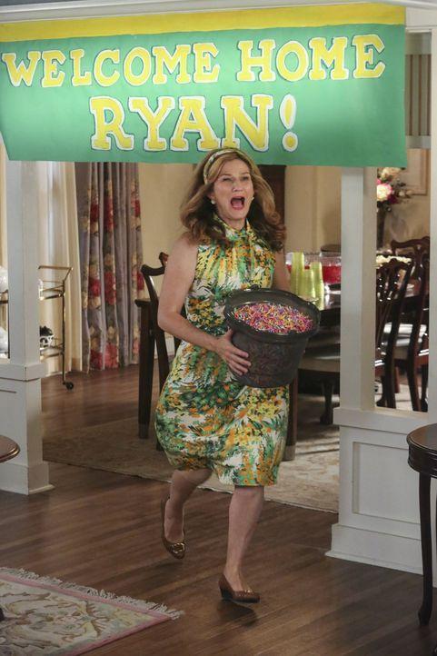 Während sich Tessa Sorgen um ihren Vater macht, ist Sheila (Ana Gasteyer) in großer Aufregung, da Ryan für einen Besuch nach Hause kommt ... - Bildquelle: Warner Brothers