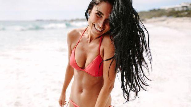 Sonne, Strand und Meer – mit langen Haaren stylst du dir den angesagten Beach...